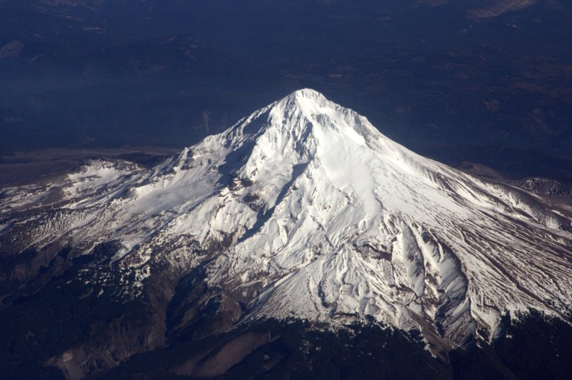 mt hood from the sky.jpg